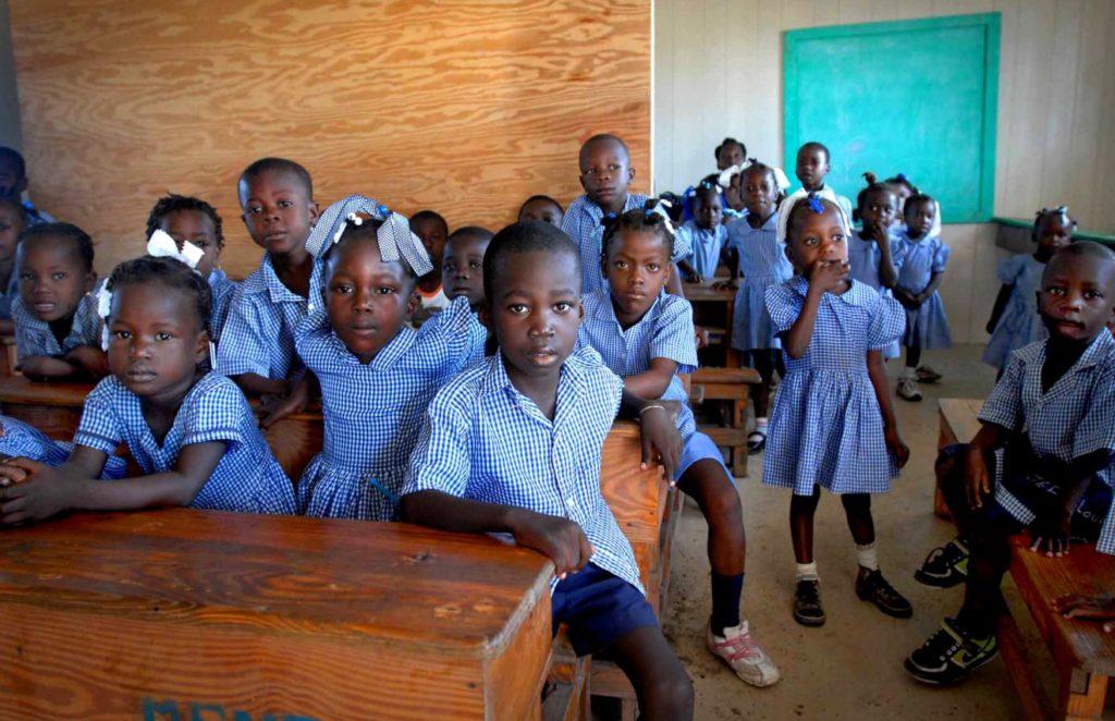 Inscripción en la escuela: el primer paso de un servicio clave para el desarrollo