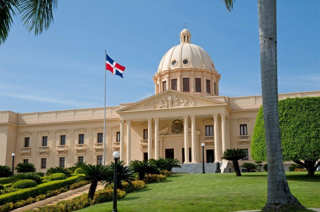 Transparencia y seguimiento al gasto público: COVID-19 en República Dominicana