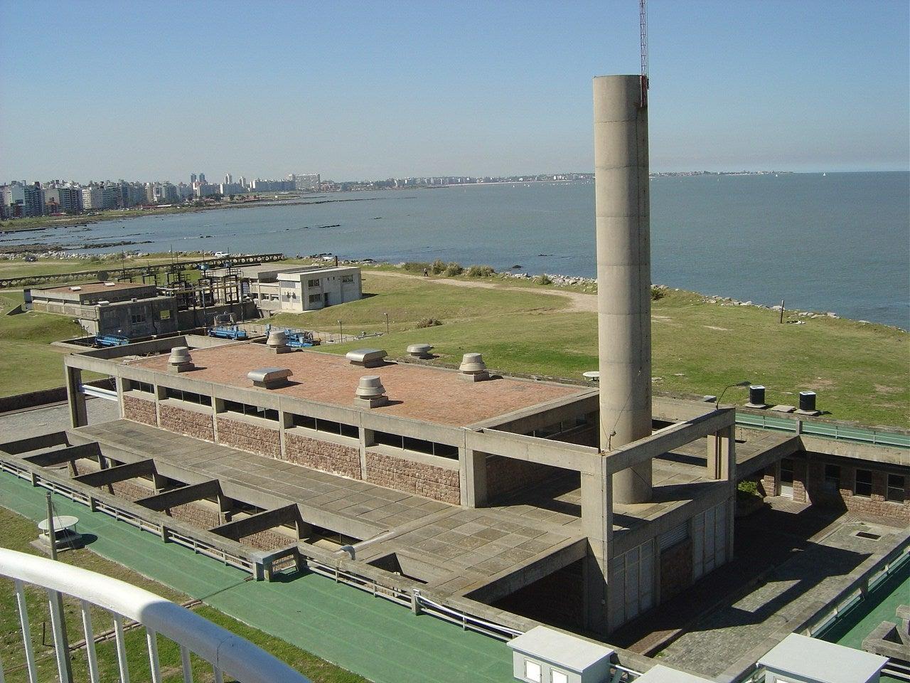 Estación de Bombeo principal que impulsa las aguas residuales al Río de la Plata a través del emisario subfluvial de Punta Carretas.