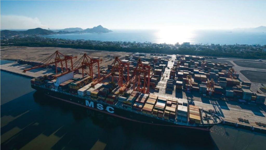 Cómo un puerto pretende ahorrarse 300.000 pesos por hora