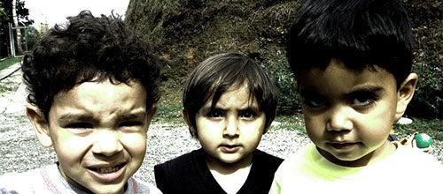 Como saber se seu filho corre o risco de ser recrutado por uma gangue?