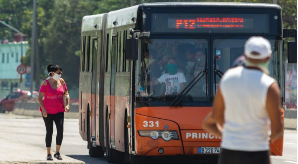 Como manter os sistemas de transporte público em períodos de isolamento social