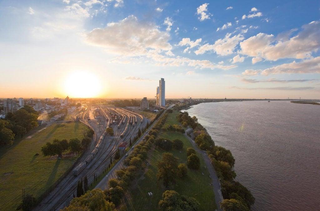 ¿Cuáles son los beneficios de la recuperación de los ríos urbanos? El caso de Rosario, Argentina