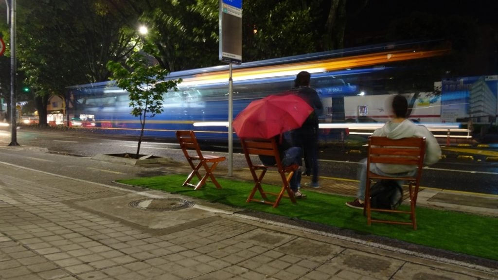 3 razones por las que es más eficiente bajar la velocidad en las ciudades