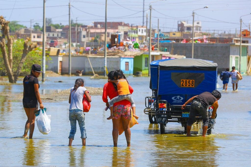 Los Heraldos Negros del cambio climático y la resiliencia en las ciudades