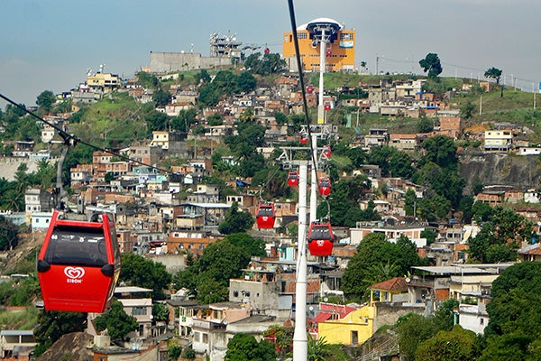 Desafíos para mejorar los programas de urbanización integral de favelas