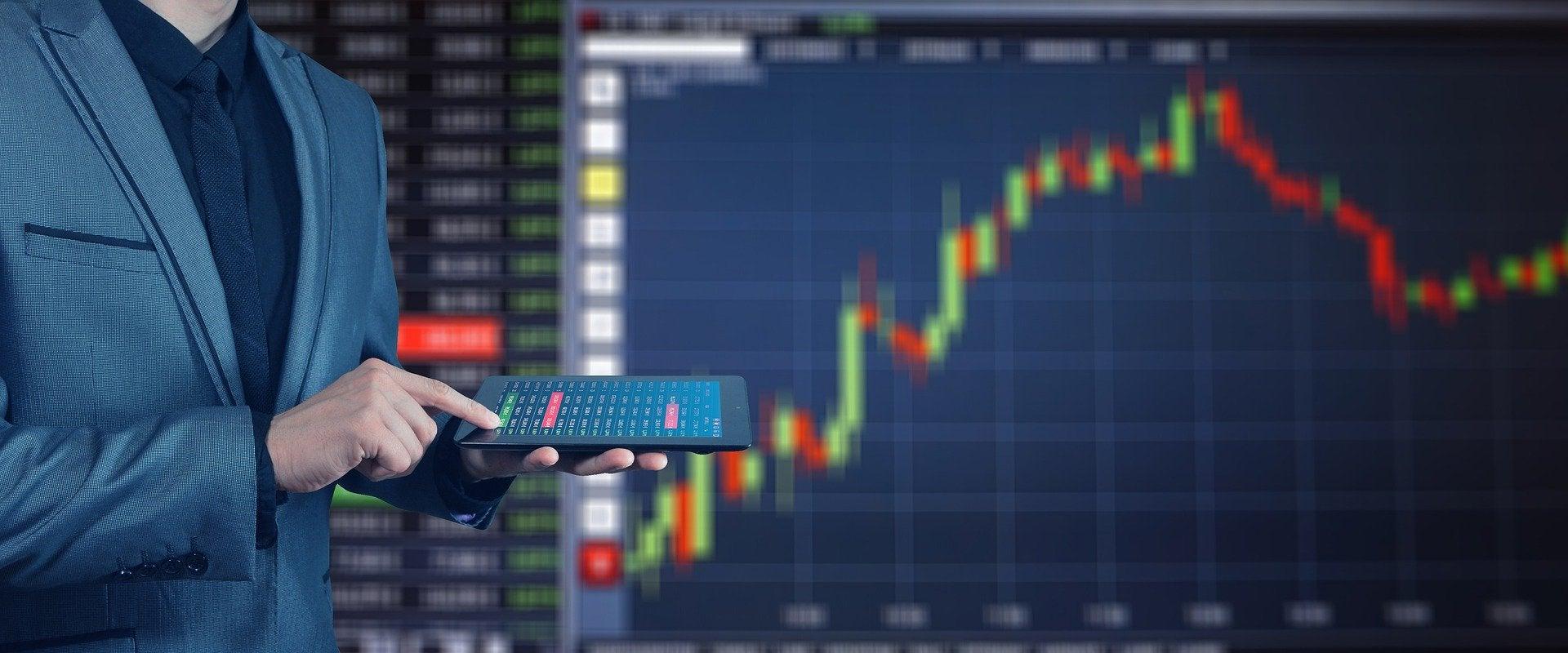 Stock Exchange. Pixabay. Geralt. 18 de Enero, 2018. Pixabay license. Free for comercial use