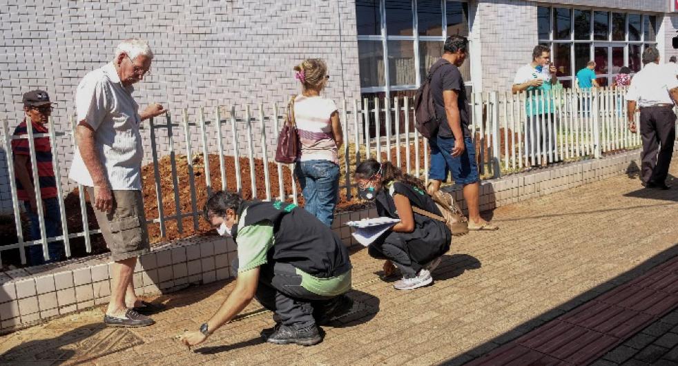 Inspectores del Ayuntamiento que establecen distancia social (Divulgación / PMCG)