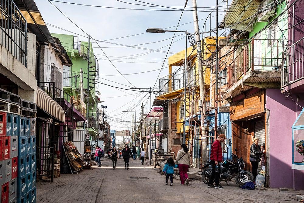 Calle interna de Barrio 31. Foto por Gobierno de la Ciudad de Buenos Aires