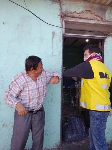 adultos mayores con posibilidades de cumplir el distanciamiento físico. Foto por Gobierno de la Ciudad de Buenos Aires