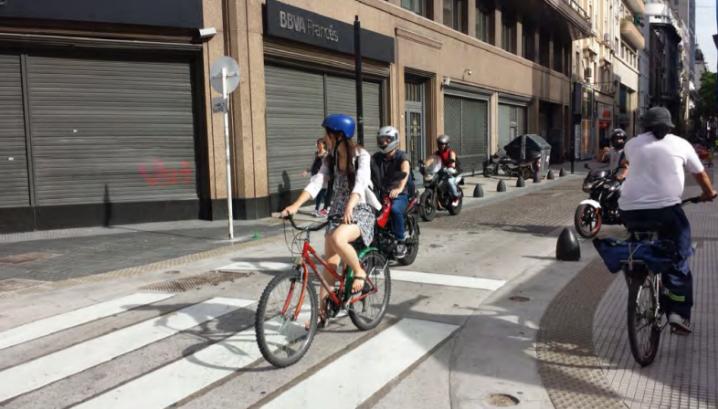 bicicletas y mujeres