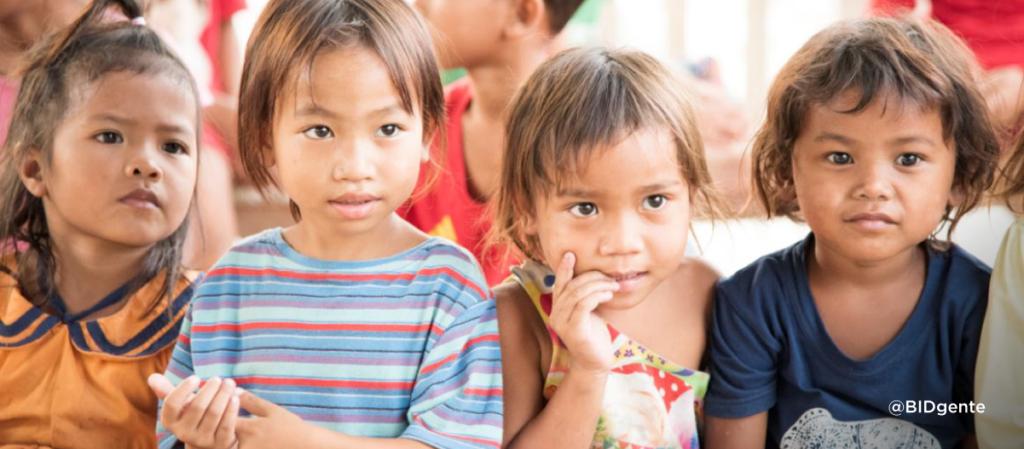 4 niños en instituciones infantiles y orfanatos
