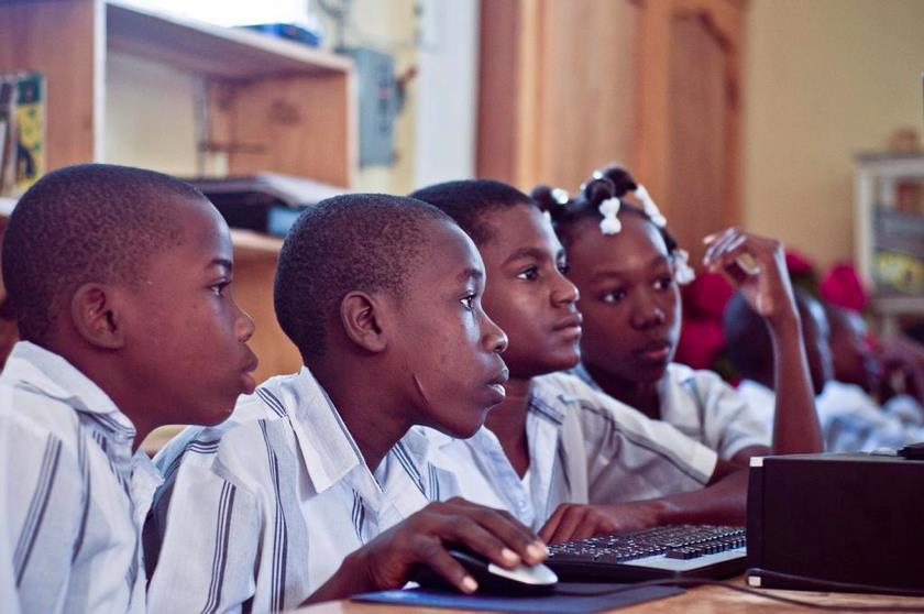 Impulsando la calidad de la educación a través de los TICs: experiencias en Haití
