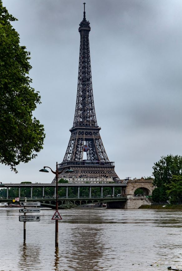 Floods in the Louvre, climate change and an army of 117 million students