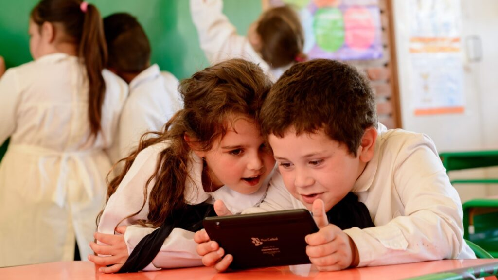 Uruguay: el primer país de Latinoamérica en reabrir su sistema educativo