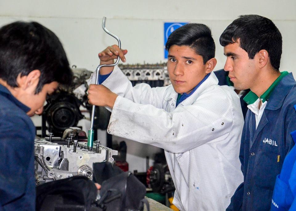 Los jóvenes de México construyen un futuro energético renovable