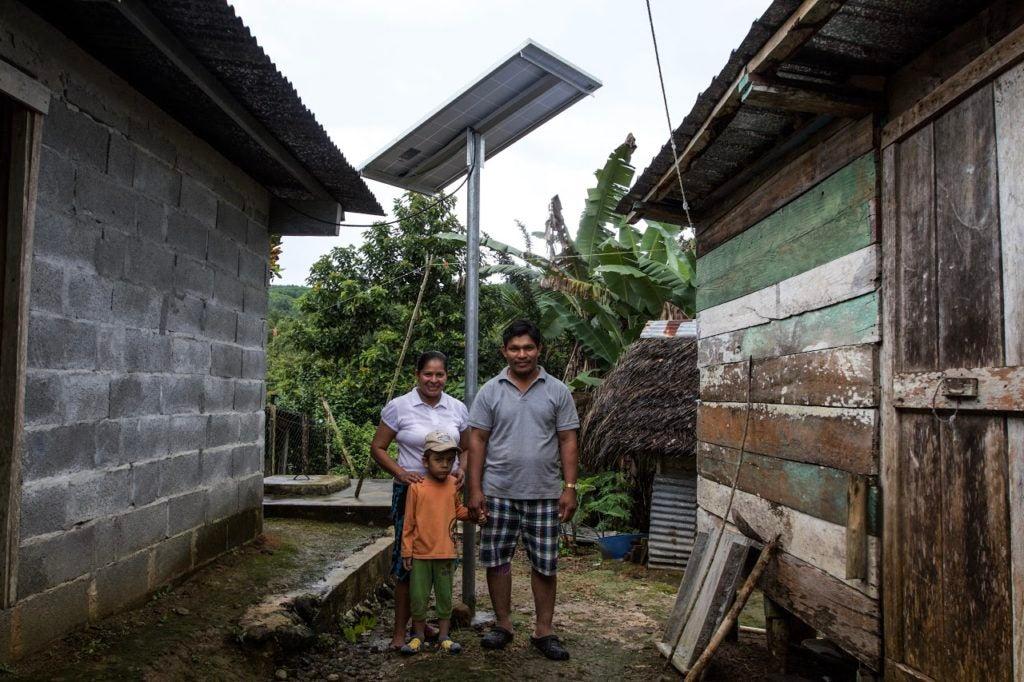 ¿Cómo pueden las mujeres participar en la entrega de soluciones de energía en América Latina y el Caribe?
