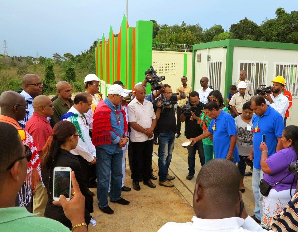 Mejorando la electrificación rural en Surinam
