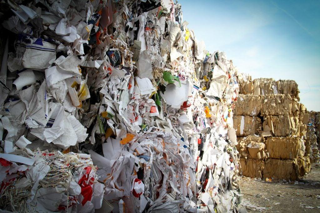 ¿Como transformar basura en Energía? (Con Audio Libro)