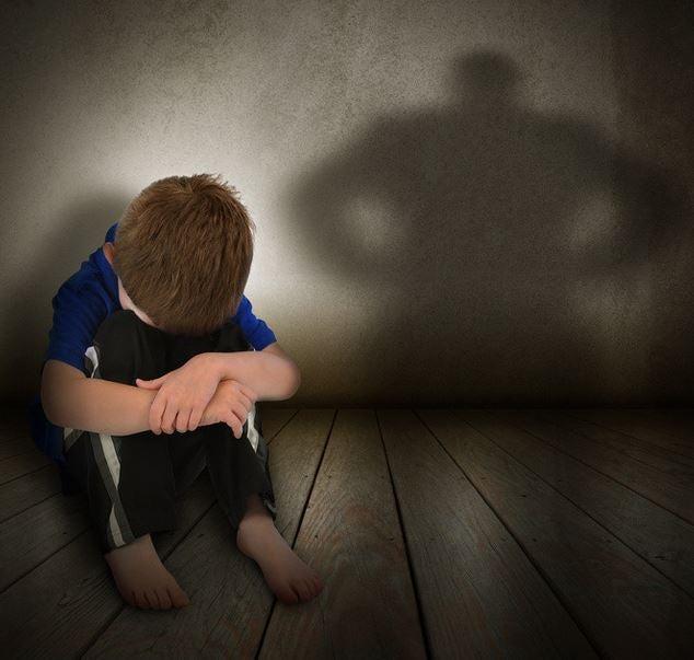 Pegar a los niños: ¿cuánto daño hace?