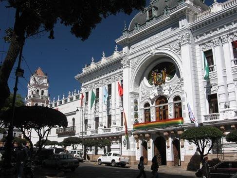 ¿Demasiado de algo bueno? La participación de los movimientos de base en las políticas sociales bolivianas