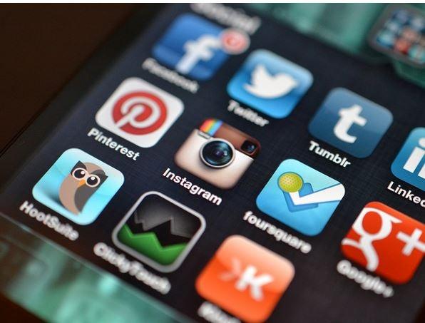 """¿Qué herramientas digitales debe utilizar un investigador académico para """"conectarse"""" en la red?"""