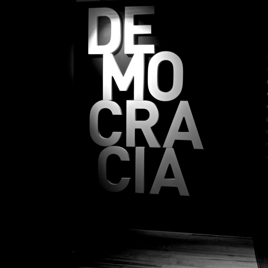 La Democracia No Causa Mayor Crecimiento Económico