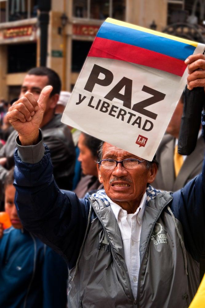 Colombia: ¿Cómo reintegrar a los combatientes en la comunidad nacional?