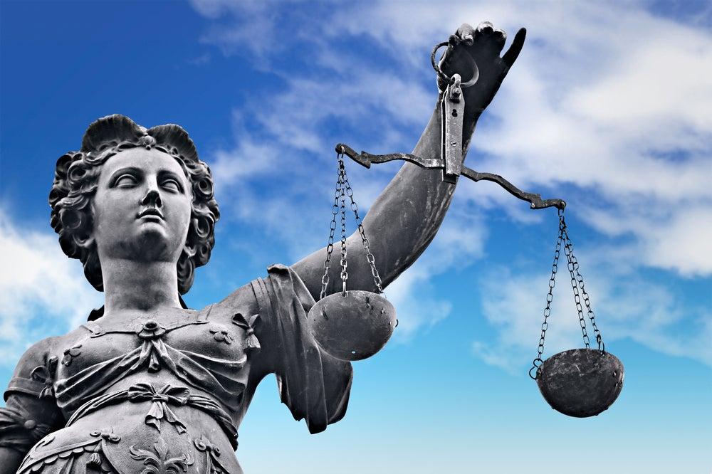 Constituciones en América Latina: en busca de pluralismo y estabilidad
