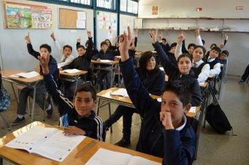 ¿Pueden las escuelas privadas subvencionadas mejorar la educación? Pregúntale a Chile
