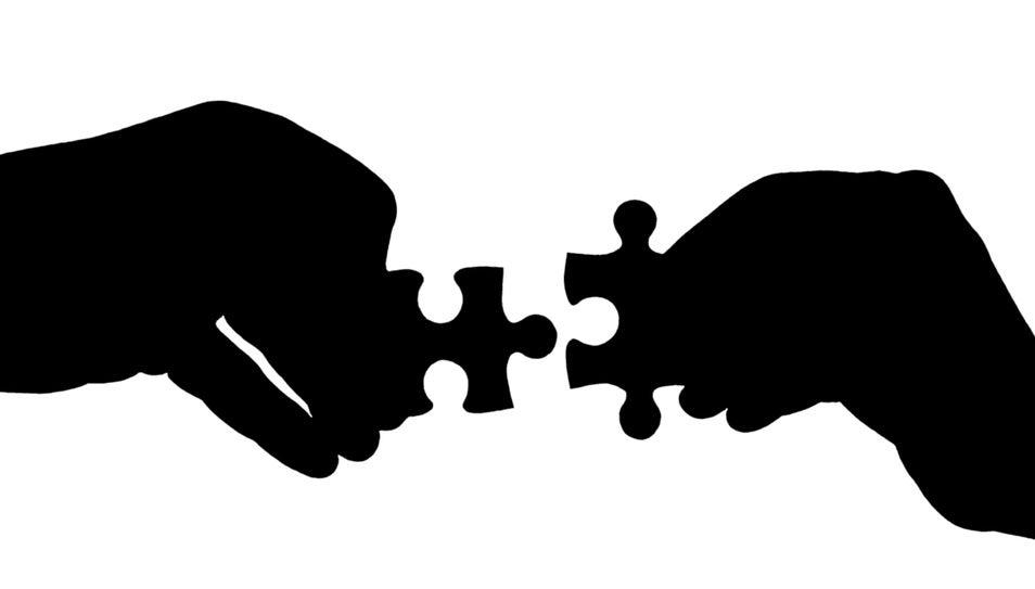¿Deberían las reformas abordar las reglas y las instituciones a la vez?