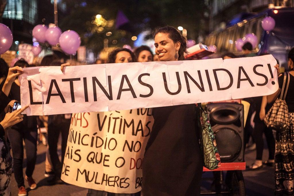 Es difícil medir la violencia doméstica, pero es posible que las mujeres educadas la sufran más