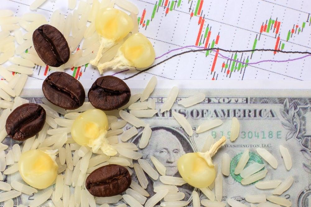 El tipo de cambio real de los países desarrollados puede estar vinculado significativamente con los precios de las materias primas.