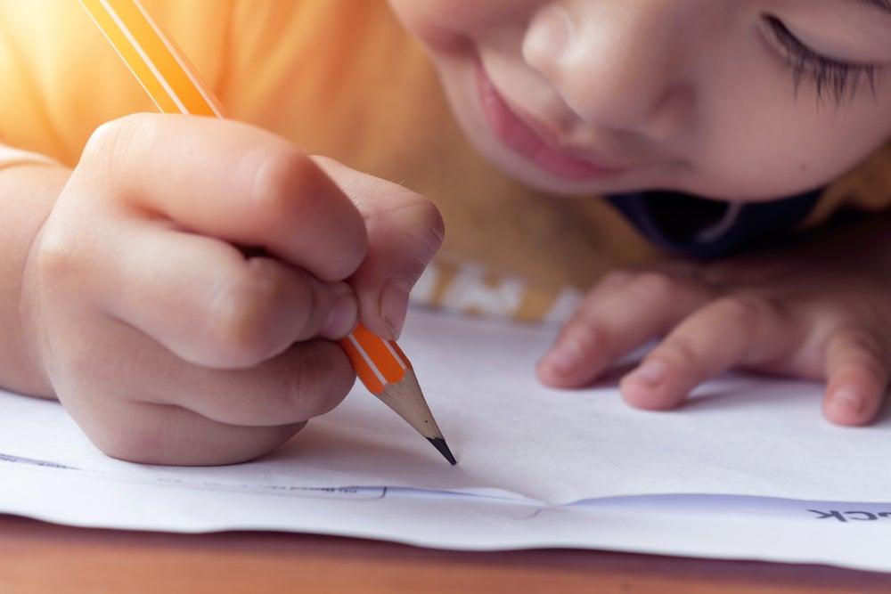 Niños criados en la pobreza han alcanzado un gran éxito educativo en una escuela en Perú
