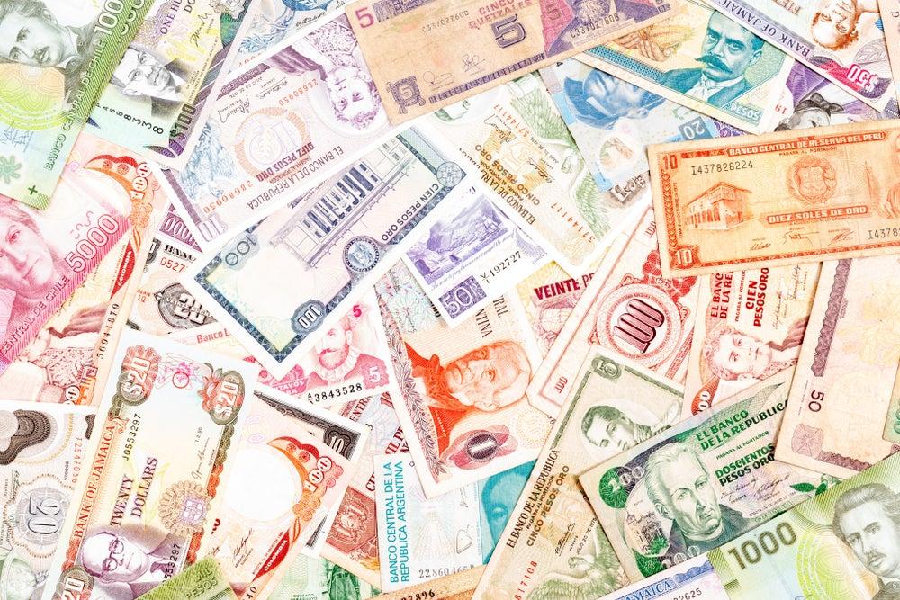 ¿Cómo se relacionan las políticas monetarias y fiscales en América Latina?