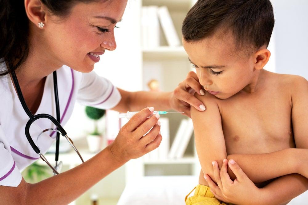Nudging: Una vía para lograr una mayor vacunación Infantil