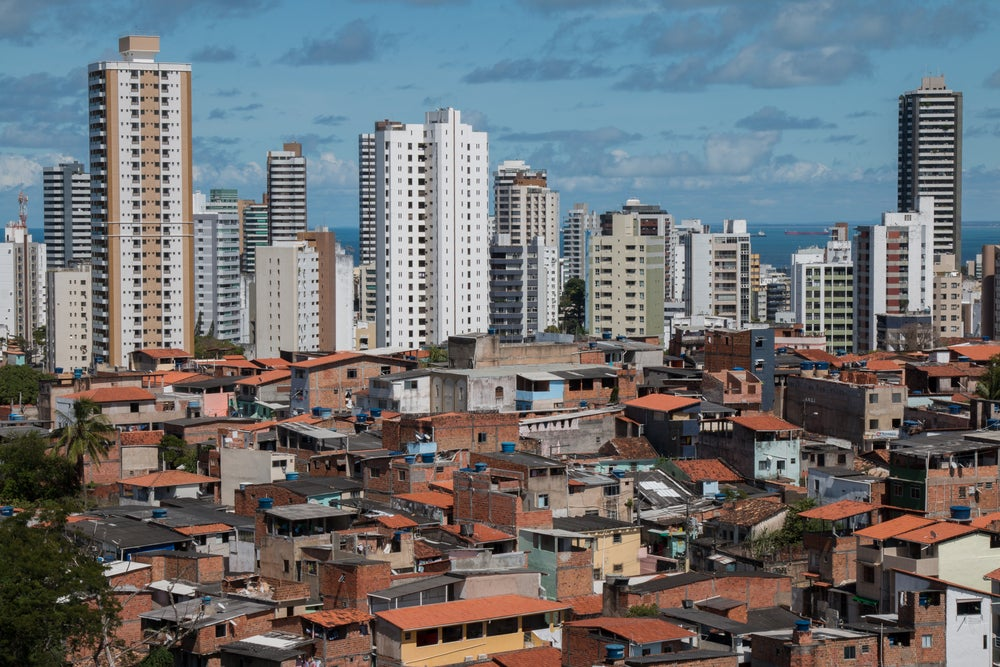El género influye en quién se beneficia de la creación de empleos en las ciudades de América Latina.