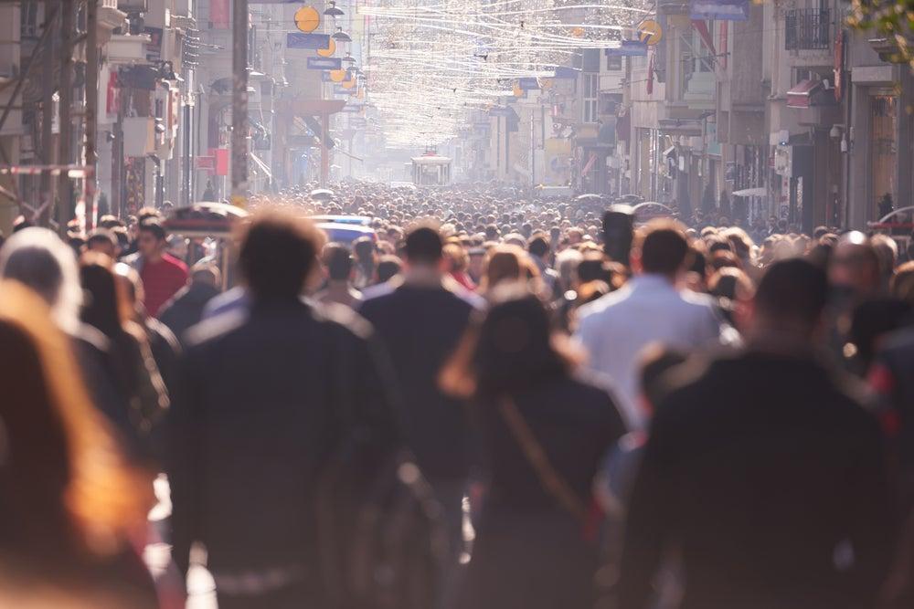 Para ampliar las intervenciones en el comportamiento hay que modificarlas para reflejar la complejidad de las sociedades cambiantes