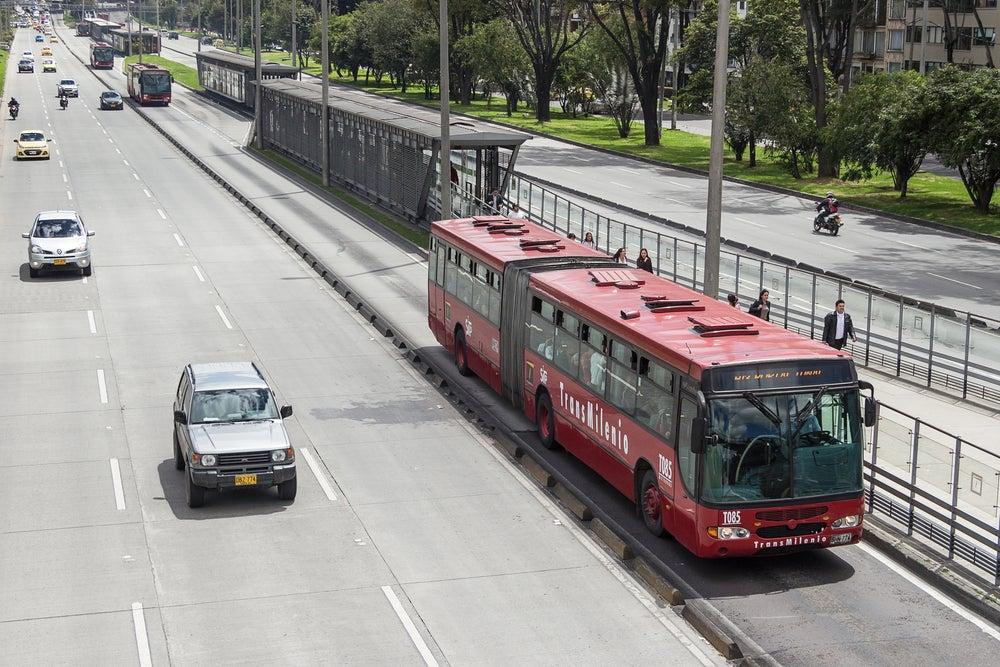 Un sistema de transporte masivo que mejora la productividad