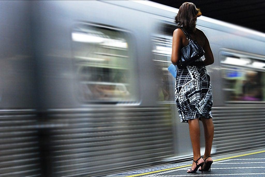Viajar con miedo: el riesgo de ser mujer en el transporte público