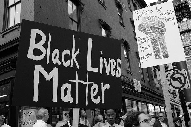 Qué dicen los estudios sobre el racismo en la actuación de la policía