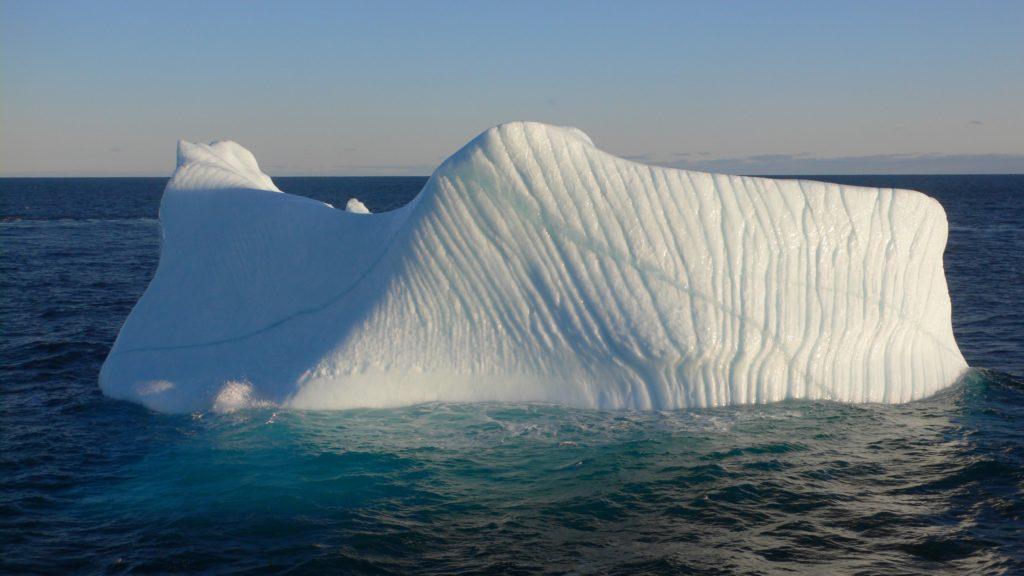Remolcar témpanos de hielo como fuente de agua: ¿ciencia o ficción?