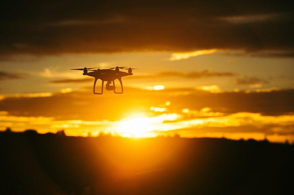 Drones ambientales y sociales, ¡listos! Analizando impactos y riesgos en proyectos