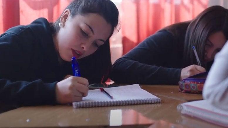 Saber más para ahorrar más: la experiencia de los liceos técnicos en Chile