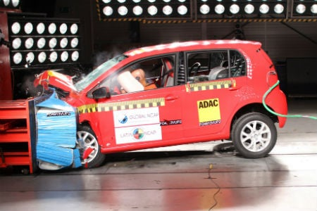 Cómo lograr que se vendan automóviles seguros en la región