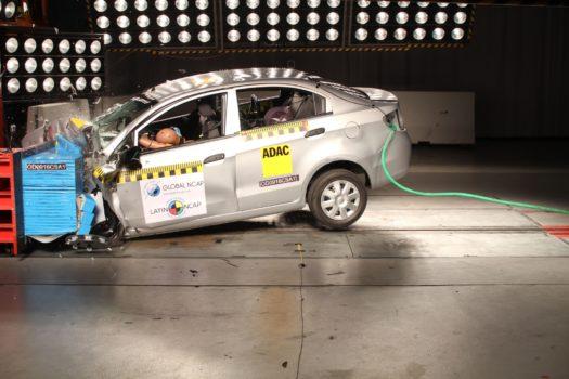 Queda camino por recorrer para contar con automóviles seguros en la región