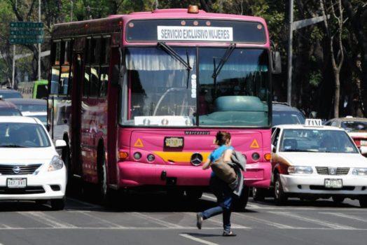 Siete ideas para acabar con el acoso a mujeres en el transporte público