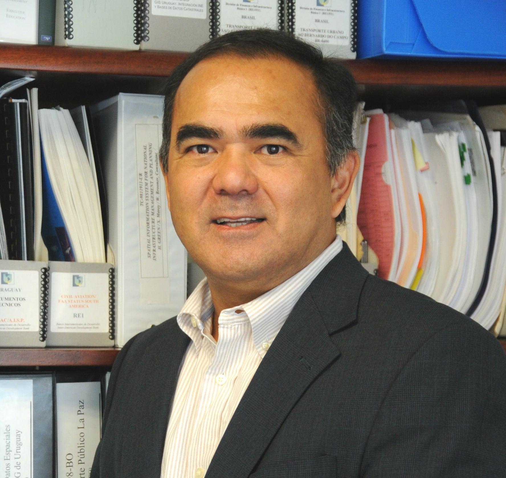 Luis Uechi