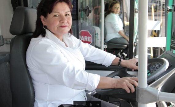 Mujeres conductoras: cambiándole la cara a Transantiago