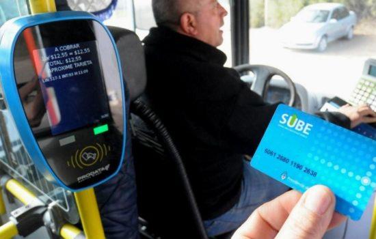 ¿Qué representa el recaudo electrónico en el transporte público para el usuario?